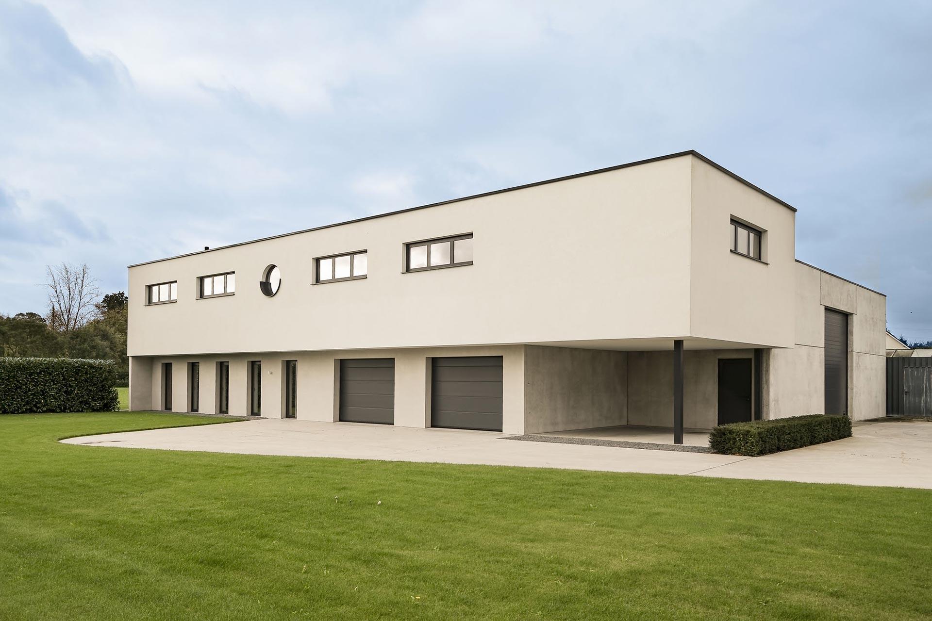 Moderne open bebouwing met magazijn - Ketswoningbouw